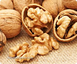 Walnuts-Nuts-Health-Snack-Food-Raw (1)